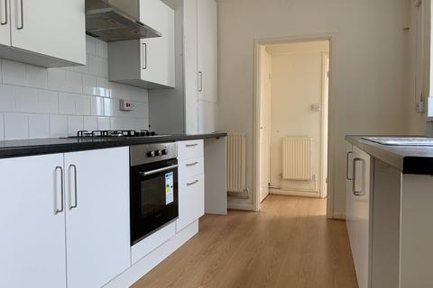 3 bedroom terraced house to rent - 91 Clase Road, Swansea