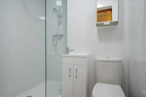 4 bedroom flat to rent - West Bryson Road, Edinburgh EH11 1EH
