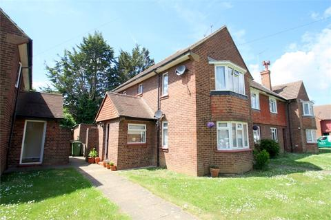 2 bedroom maisonette for sale - Booth Drive, STAINES-UPON-THAMES, Surrey