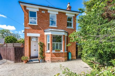 3 bedroom detached house for sale - Libertus Road, Cheltenham