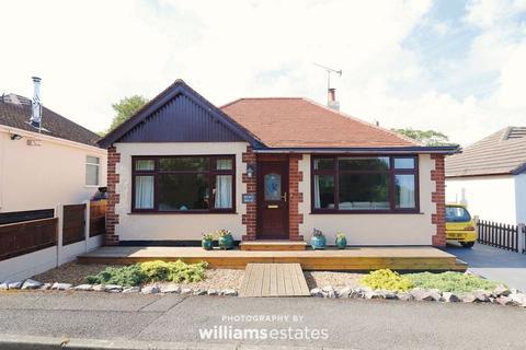 3 bedroom detached bungalow for sale - Abbey Drive, Prestatyn