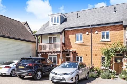 4 bedroom terraced house for sale - Queen Elizabeth Park, Guildford