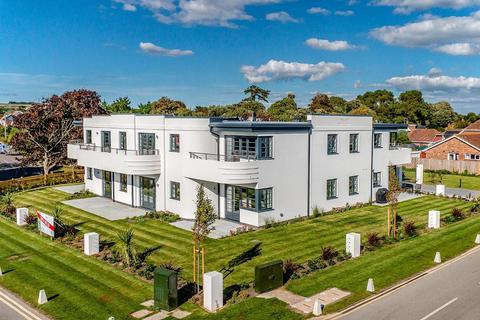2 bedroom flat for sale - South Point, Beehive Lane, Ferring, West Sussex, BN12 5NL