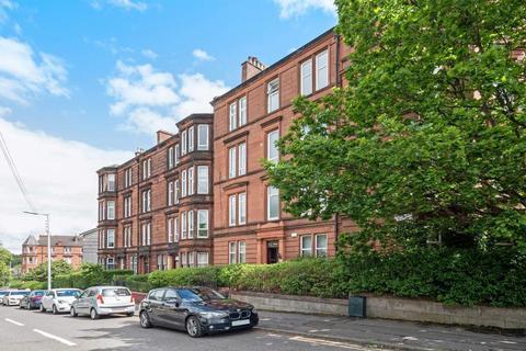3 bedroom flat for sale - Whitehill Street, Glasgow, G31 2PG