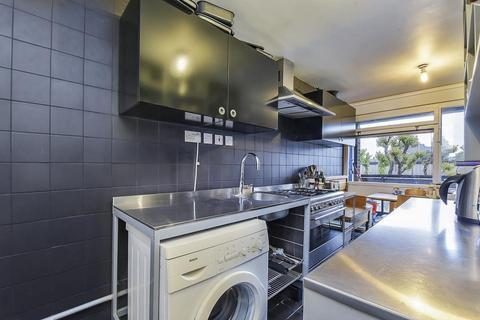 3 bedroom flat for sale - John Ruskin Street, London SE5
