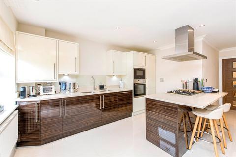 2 bedroom flat to rent - Victoria Close, Rickmansworth, Hertfordshire, WD3