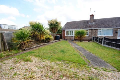 2 bedroom semi-detached bungalow to rent - Victor Drive, North Hykeham