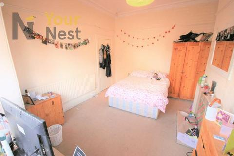 5 bedroom semi-detached house to rent - Ash Road, Headingley, Leeds, LS6 3JJ