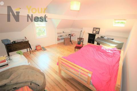 6 bedroom house share to rent - Room 7, Oakwood lane, Oakwood, Leeds, LS8 2JQ