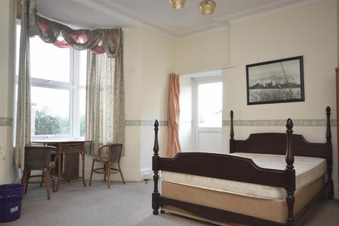 1 bedroom flat to rent - Room 2, 14 Priory Road, Keynsham