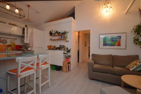 2 bedroom semi-detached house to rent - a Evans Road, BRISTOL, BS6
