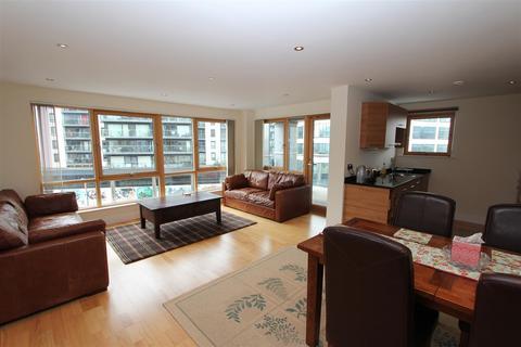 2 bedroom flat to rent - McClure House, Leeds Dock