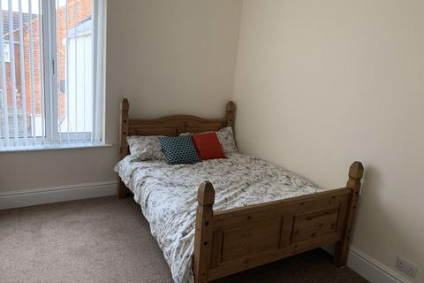 5 bedroom house share to rent - Albert Avenue, Hull