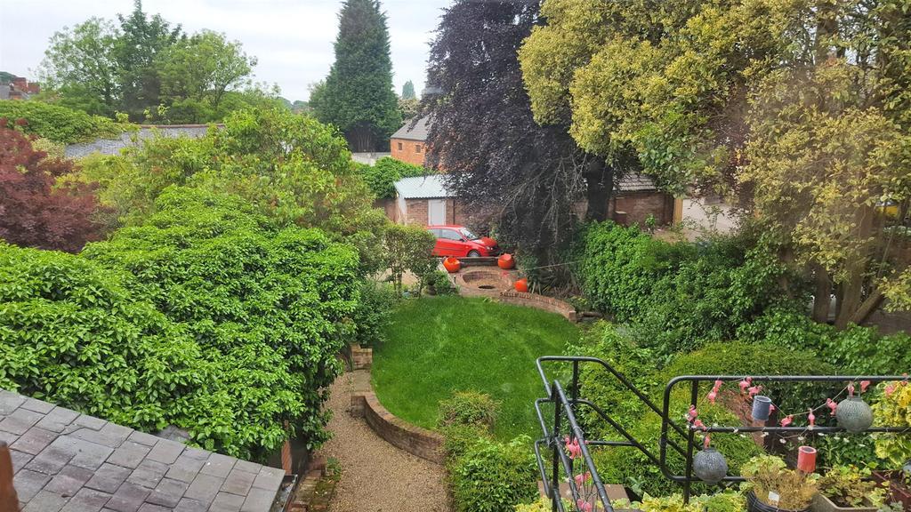 Garden lzn.jpg