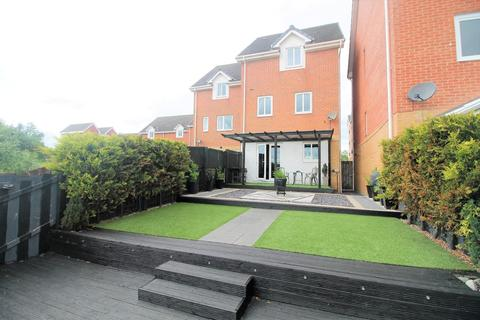 3 bedroom townhouse for sale - Willow Sage Court, Stockton-On-Tees