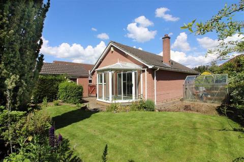 2 bedroom detached bungalow for sale - Kings Meadow, Driffield