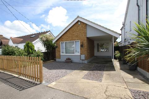 2 bedroom detached bungalow for sale - Eastwood Rise, Leigh-On-Sea