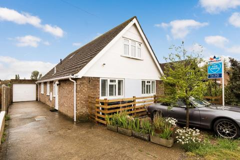 4 bedroom detached bungalow for sale - St. Marys Grove, Seasalter, Whitstable