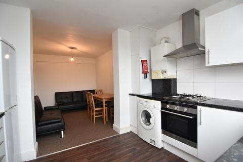 3 bedroom apartment to rent - Camden Road, London, NW1