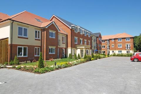 2 bedroom apartment for sale - Rothesay Lodge, 2-10 Stuart Road, Highcliffe, Christchurch, BH23
