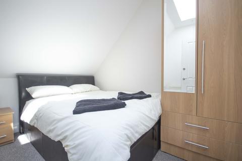 10 bedroom flat to rent - South Clerk Street, Edinburgh EH8