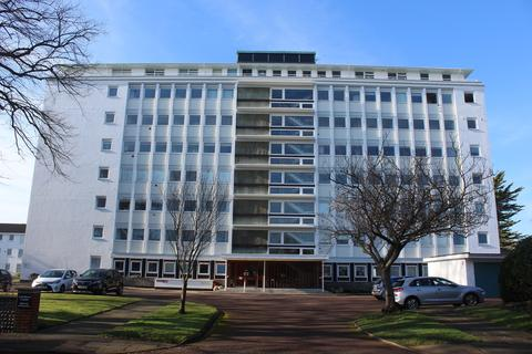 3 bedroom apartment to rent - Compton Place Road,