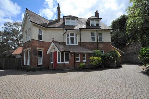 3 bedroom apartment for sale - West Overcliff