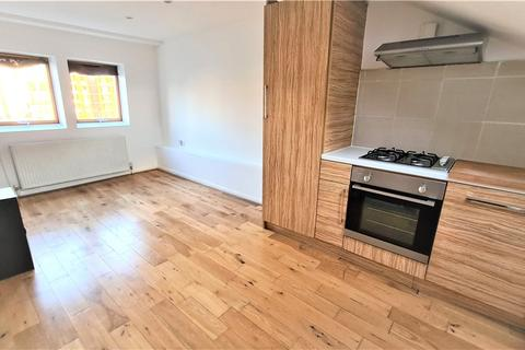 Studio to rent - Woodstock Grove, London, W12