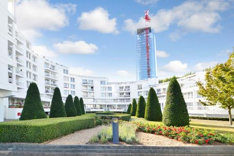 2 bedroom flat for sale - Pierhead Lock, Canary Wharf E14