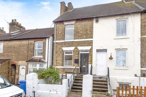 3 bedroom end of terrace house for sale - Cowper Road, Sittingbourne ME10