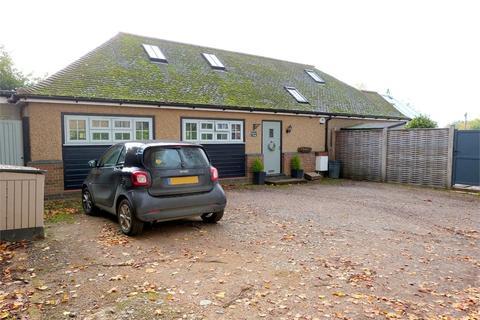 3 bedroom detached bungalow for sale - Bird Lane, Harefield, Middlesex