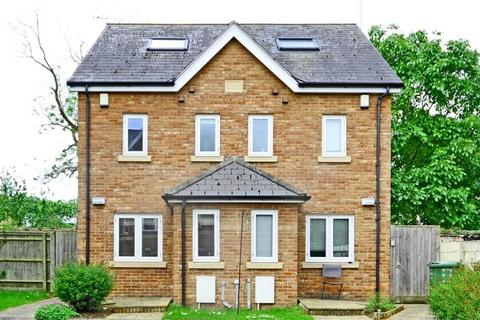 3 bedroom semi-detached house to rent - Fairmount Road, Cheltenham, Gloucestershire