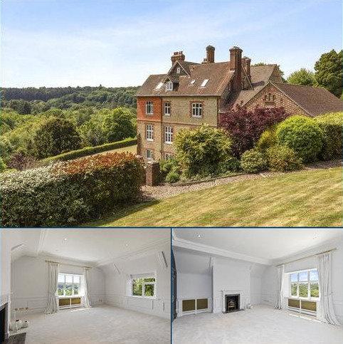 2 bedroom flat for sale - Fernden Heights, Haslemere, Surrey, GU27