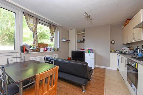 4 bedroom maisonette to rent - Hascombe House, Dilton Gardens, Roehampton