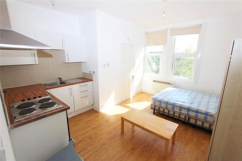 Studio to rent - Park Lodge, 2 Ulleswater Road, Southgate, London, N14