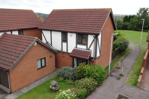 3 bedroom detached house to rent - Ingram Gardens, Luton