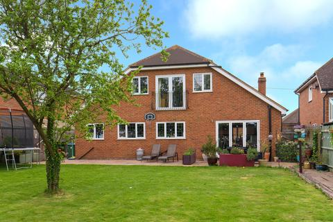 4 bedroom detached house for sale - Wendover Road, Weston Turville