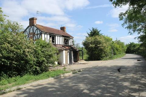 3 bedroom property with land for sale - Woburn Road, Bedford