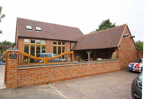 4 bedroom barn conversion to rent - Brill, Buckinghamshire