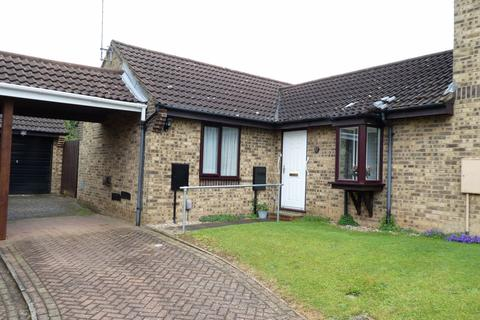 2 bedroom bungalow for sale - Tallyfield End, Danefield, Northampton