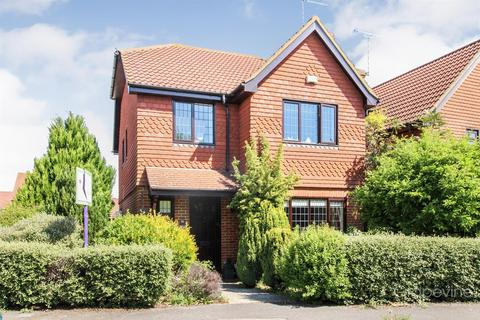 4 bedroom detached house to rent - East Park Farm Drive, Charvil, Reading