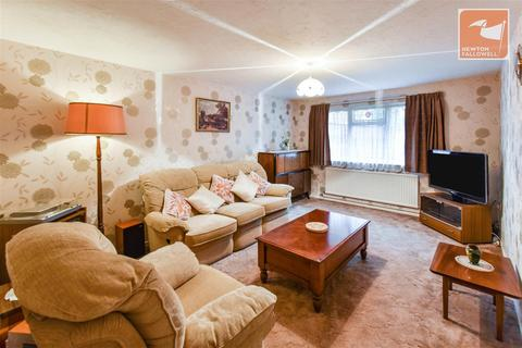 4 bedroom end of terrace house for sale - Crowhurst, Werrington, Peterborough