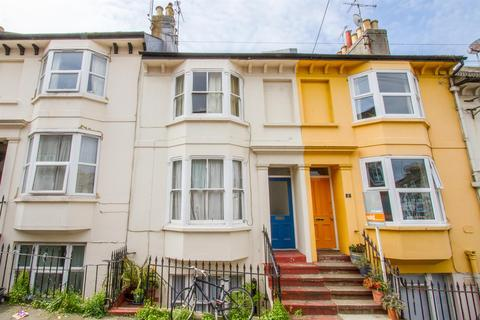 1 bedroom flat for sale - St. Leonards Road