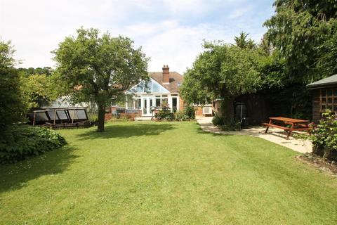 4 bedroom bungalow for sale - Rochester Road, Aylesford