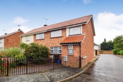 3 bedroom house for sale - Lawlinge Road, Latchingdon,