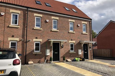 3 bedroom townhouse for sale - Greener Drive, Darlington