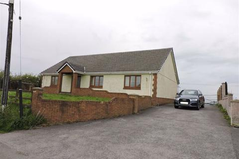 4 bedroom property with land for sale - Meinciau, Kidwelly