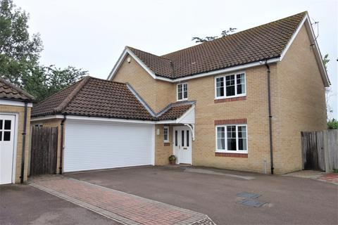 4 bedroom detached house for sale - Fallowfields, Oulton