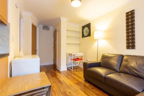 Studio to rent - Otterburn Villas, Jesmond, Newcastle Upon Tyne