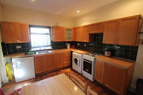 4 bedroom property to rent - Stretton Road, Leicester, LE3 6BL